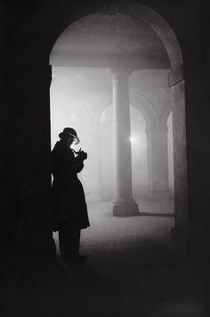 23 December 1935: Temple. (Arthur Tanner/Fox Photos / Getty Images)
