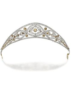 Diamond and coloured diamond tiara, Circa 1910. Old European-, single- and…