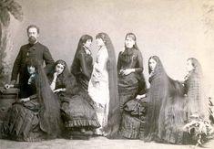 A la fin du XIXe et début du XXe siècle, les Sept soeurs Sutherland, qui chantaient ensemble, étaient encore plus célèbres pour leurs très longues chevelures.