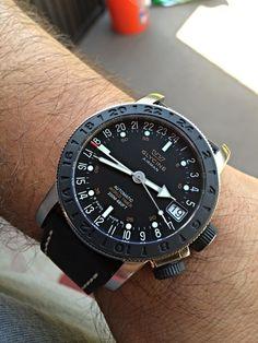 "Arrival - Glycine Airman 17 ""Sphair"" - Watch Freeks"