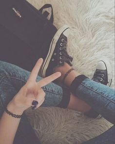 Image via We Heart It https://weheartit.com/entry/152109235/via/14887998 #fashion #grunge #outfit #pale #style