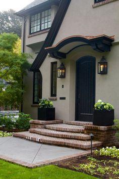 Exterior house entrance ideas entryway paint colors 18 ideas for 2019 Exterior Stairs, Stucco Exterior, Exterior Front Doors, Exterior Windows, Black Trim Exterior House, Stucco Siding, Stucco Colors, Exterior Paint Colors For House, Paint Colors For Home