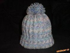Tato čepice je pro tříleté dítě.Snad se návod někomu bude hodit. <br><br>Potřebujeme jehlice číslo 4...