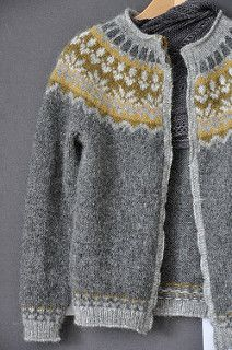 Knitting Patterns Fair Isle Icelandic Sweaters Ideas For Knitting , strickmuster fair isle isländische pullover ideen zum stricken , modèles de tricot idées de pulls islandais fair isle Fair Isle Knitting Patterns, Fair Isle Pattern, Knitting Designs, Knit Patterns, Knitting Projects, Knitting Tutorials, Stitch Patterns, Sweater Patterns, Cardigan Pattern