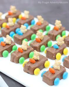 Teddy Bear Race Car Snacks Car Cakes For Boys, Race Car Cakes, Truck Cakes, Race Car Birthday, Race Car Party, 1st Boy Birthday, Transportation Birthday, Birthday Ideas, Birthday Cake
