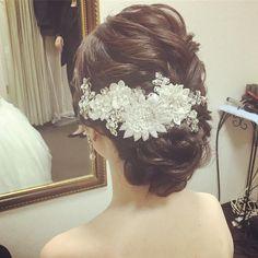 Yuko FujiiさんはInstagramを利用しています:「土日祝日は雨が降らぬよう願う ・ 今日も素敵なご結婚式となりますように ・ 存在感あるボンネが可愛い* ・ ・ #ヘアスタイル #hairmake #ヘアアレンジ #ブライダル #bridal #新婦 #hairstyle #プレ花嫁 #花嫁 #bride #2017秋婚…」