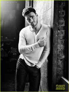 Cinderella's Richard Madden Is Excited To Wear Jeans In 'Bastille Day' | richard madden flaunt mag feature pics 03 - Photo
