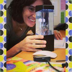Perrine de la PAO  a choisi sa nouveauté catalogue: le mini aquarium anémone...qui ressemble bien plus à des méduses ! Lol