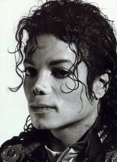 A photo of Michael Jackson taken by artist and photographer Gottfried Helnwein is currently on auction for and the auction will take place on June The picture was taken in Gottfr… Michael Jackson Drawings, Photos Of Michael Jackson, Michael Jackson Bad Era, Jackson 5, Jackie Jackson, Michael Jackson Thriller, Jackson Family, Gottfried Helnwein, Photography Words