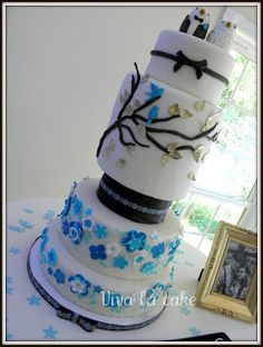 Viva La Cake I Blog: how to make a double barrel cake