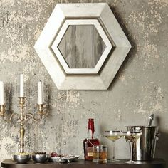Dining Area Wall Idea, I'm really liking this.not the decor here, but can you imagine the holidays with this wall! Faux Finishes For Walls, Faux Walls, Plaster Walls, Wall Finishes, Grey Walls, Bad Wand, Tadelakt, Faux Painting, Painting Walls