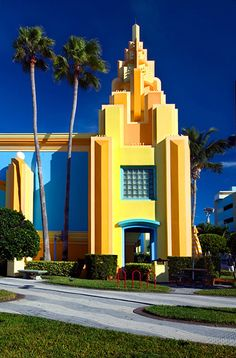 Ron Jon Surf Shop, Cocoa Beach.  I love the colors and Art Deco design of this building.  So pretty.