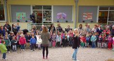 """Bolzano – I bambini fanno festa ai nonni per la """"Giornata Internazionale dell'Anziano"""