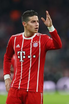 James Rodriguez Photos - James Rodriguez of FC Bayern Muenchen reacts during the Bundesliga match between FC Bayern Muenchen and FC Koeln at Allianz Arena on December 2017 in Munich, Germany. - FC Bayern Muenchen v FC Koeln - Bundesliga James Rodrigues, James Rodriguez Wallpapers, Messi And Ronaldo, Sport Man, Football Players, Cute Guys, Celebrity Crush, Sexy Men, Athlete