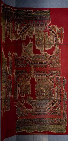 "'Crivelli' style historical rug, Vakiflar Museum, Turkey. Published ""Teppiche"", B. Balkinar & U.Hirsch"