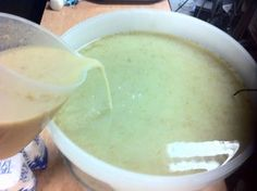 Picture of Preparing and Pitching the Yeast Homemade Vodka Recipe, Vodka Recipes, Alcohol Recipes, Home Brew Shop, How To Make Shakshuka, Bakers Yeast, Mead Recipe, Wine Yeast, Pot Still