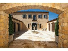 Your own Mediterranean courtyard and fountain