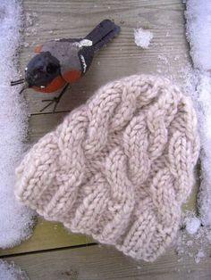 Avec le temps froid de cette semaine, j'ai eu envie de faire un bonnet bien chaud à l' allure un peu décontractée. Voici un bonnet cool à torsades très simple à réaliser et très rapide à faire (2 ou 3...