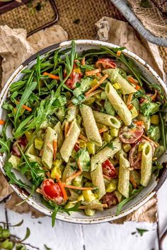 Wholesome Meals This mouthwatering Vegan Green Goddess Pasta Salad is sure to make all your pasta salad dreams come true with its wholesome deliciousness! Pasta Facil, Clean Eating, Healthy Eating, Healthy Lunches, Vegetarian Recipes, Healthy Recipes, Healthy Dishes, Detox Recipes, Vegan Dishes