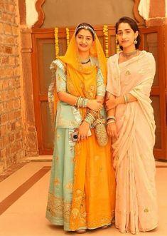 Happy Woman Day, Happy Women, Rajasthani Dress, Rajputi Jewellery, Bengali Bridal Makeup, Rajputi Dress, Indian Bridal Outfits, Bridal Photoshoot, Saree Look