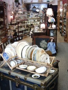 """Little Shop """"China Plate"""" Back in the day China Plates, Back In The Day, Pyrex, Table Settings, Antiques, Glass, Shop, Antiquities, Antique"""