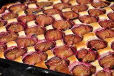 Prajitura cu prune si blat din smantana   Retete culinare cu Laura Sava - Cele mai bune retete pentru intreaga familie Pretzel Bites, Mai, Baby Food Recipes, Bread, Recipes, Pie, Recipes For Baby Food, Brot, Baking
