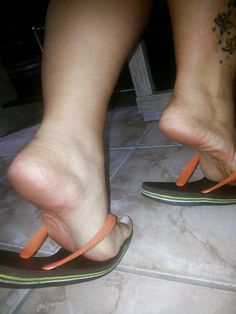 sexy women feet showing soles in sandals Socks And Sandals, Bare Foot Sandals, Feet Soles, Women's Feet, Flipflops, Brian Atwood Shoes, Barefoot Girls, Foot Pictures, Beautiful Toes