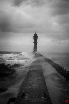 Le phare de st pol sur mer