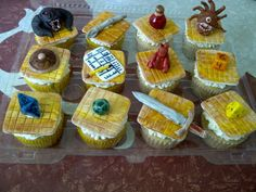 Dungeons and Dragons cupcakes. all details are marshmallow fondant