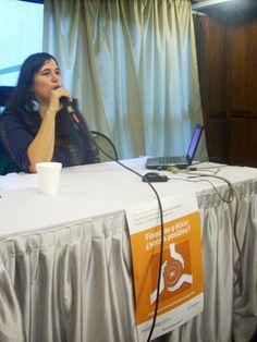 La economista Ruth Muñoz, durante el primer panel dio el panorama actual de las finanzas alternativas en la Argentina. Dio, Panel, Finance, Argentina