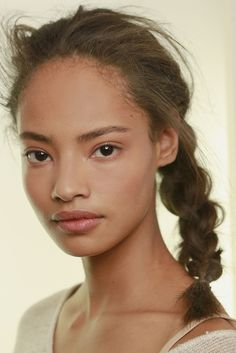 Malaika Firth backstage at Giles Spring 2014 RTW ♥♥♥