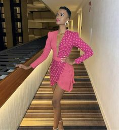15 Fall/Winter Beauty Trends To Try in 2019 Miss Venezuela, Classy Work Outfits, African Print Dresses, Winter Beauty, Beauty Trends, Fashion Prints, Short Hair Cuts, African Fashion, Style Guides