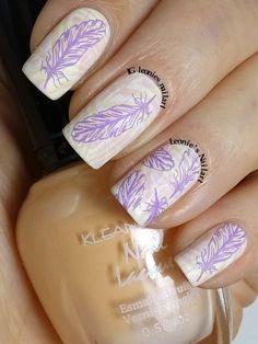 Pastel Feathers - Leonie's Nailart