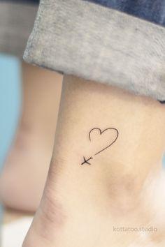 Small Girly Tattoos, Tiny Foot Tattoos, Tiny Heart Tattoos, Cute Little Tattoos, Tiny Tattoos For Girls, Wrist Tattoos For Women, Mini Tattoos, Body Art Tattoos, Classy Tattoos