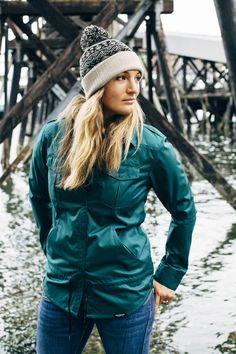 Ladies Shacket in Pine Satin Twill.  Snowboard Jacket