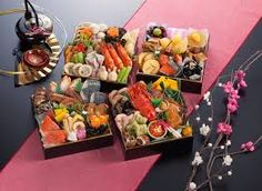 All about Japanese food with the extensive information and beautiful photos. Famous Kobe Beef, Sushi and other tasty cuisines. Sushi, Soba Noodles, Japanese New Year Food, Dessert Nouvel An, Yakisoba, Takoyaki, New Year's Food, Tasty, Yummy Food