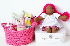 panier en T shirt yarn Crochet Bowl, Crochet Diy, Crochet Basket Pattern, Crochet For Kids, Sewing For Kids, Crochet Crafts, Crochet Baskets, Pillos, French Pattern