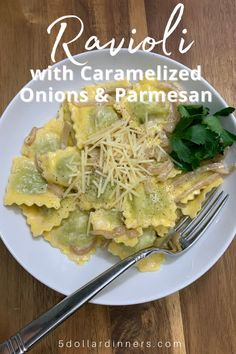 Looking for a summer dinner recipe idea? Try this delightful combo of caramelized onions, cream, and Parmesan cheese...tossed with your favorite pasta...in this case, ravioli! #pasta #ravioli #dinnerideas Easy Delicious Dinner Recipes, Filled Pasta, Fast Easy Meals, Cheap Meals, Best Pasta Recipes, Stuffed Pasta Shells, Side Salad, Healthy Dishes, Caramelized Onions