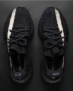 "adidas_NMD on Instagram: ""'Oreo' Yeezy 350 V2 Releasing Black Friday...who's copping?"" https://twitter.com/gmingsefefmn/status/903140170853003264"