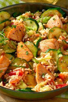 Leichtes Alltagsgericht: Lachspfanne mit Zucchini