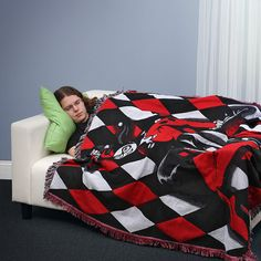 Harley Quinn Woven Blanket http://geekxgirls.com/article.php?ID=2148