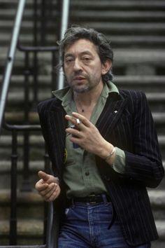 Your Morning Shot: Serge Gainsbourg, 1980 Serge Gainsbourg, Gainsbourg Birkin, Fashion Images, 70s Fashion, Timeless Fashion, Style Fashion, Bucky, Mode Alternative, Aviator Jackets