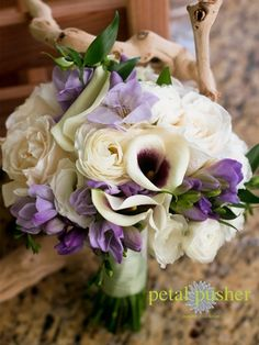 Bouquet idea girls...love for bridesmaids... would like to stick to this color palate for centerpieces as well