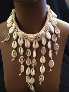 Beautiful cowry shell necklace can match so many outfits! I love this necklace!! Only 1 left