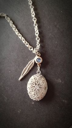 Silver Aromatherapy Necklace --- Essential oil diffuser locket pendant