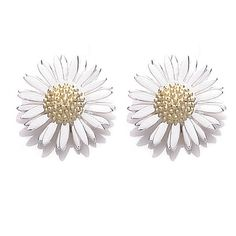 Daisy London Womens Silver 8mm Daisy Stud Michaelmas Earrings ($52) ❤ liked on Polyvore featuring jewelry, earrings, accessories, fillers, brincos, silver jewelry, vintage jewelry, silver stud earrings, daisy earrings and silver daisy earrings