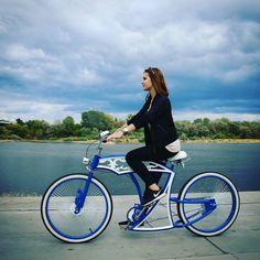 Whatever U do don't be blue. For too long! Olga ridin folky Fury. #custom #bicycle #cruiser #model #polishgirl #ootd #nike #follow #cute #girl #airmax