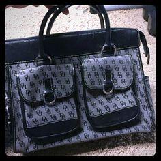 Dooney & Bourke Authentic EUC Dooney & Bourke Bags
