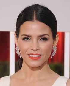 Jenna Dewan Tatum's structured Lorraine Schwartz earrings played up the embellishments on her Zuhair Murad dress at the 2015 Oscars.
