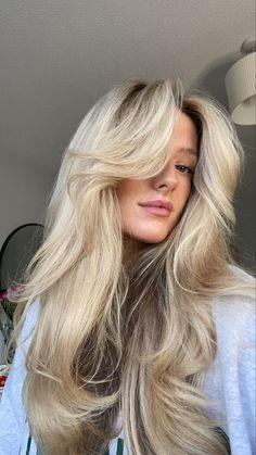 Long Haircuts With Bangs, Long Hair With Bangs, Long Hair Cuts, Haircuts Straight Hair, Cute Haircuts, Blonde Hair Looks, Blonde Hair Bangs, Baby Blonde Hair, Blonde Layered Hair